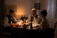 Dinner scene, Source: Inspiris Haschek Film GmbH